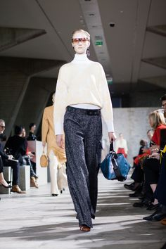 Loewe: Fall 2015 Ready-to-Wear   ItsParisK