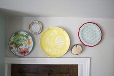 plate accent, farmhouse kitchen facelift // Dannette Gora   row+harlow interior design