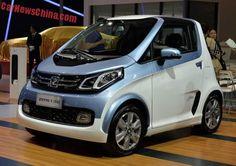 O EV Zotye E200 foi apresentado no Shanghai Auto Show na China. A Zotye E200 é um novo veículo elétrico para o mercado de automóveis chinês. Há também uma versão de quatro portas.