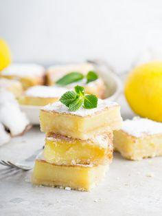 Лимонная выпечка у меня почему-то ассоциируется с весной, наверное, поэтому вспомнила об этих квадратиках сейчас! Не хватает солнца, с...