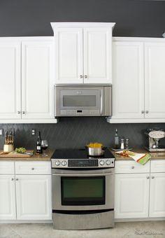 This $200 Kitchen Transformation Is Beyond Dramatic http://www.popsugar.com/home/How-Make-Over-Kitchen-Paint-41008938?utm_campaign=share&utm_medium=d&utm_source=casasugar via @POPSUGARHome