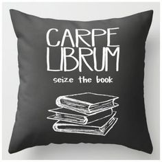 Pillow Book List Ideas: 21 Decorating Ideas Every Bookworm Will Love   Book lovers    ,