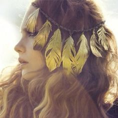 Feathery head piece! I really, really really want this!!
