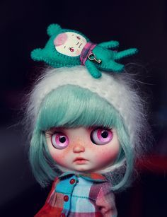 Blythe doll | Cute winter outfit | Pink eyes and mint hair | BJD , custom blythe