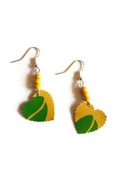 Boucles d'Oreilles Brésil Coeurs Perles Jaunes Vertes Argentées Capsules Nespresso : Boucles d'oreille par cap-and-pap
