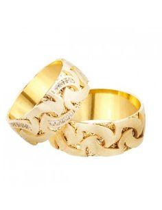 Mens Diamond Jewelry, Diamond Rings, Gold Rings, Couples Ring Tattoos, Couple Ring Design, Alexandrite Ring, Matching Rings, Couple Rings, Jewelry Design