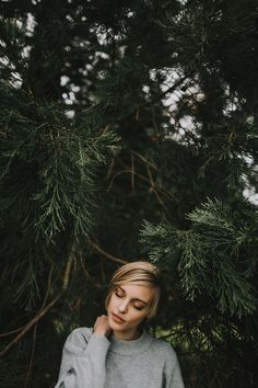 Epic formula to portrait photography to inspire you 31 - Xtra Inspira Outdoor Portrait Photography, Forest Photography, Outdoor Portraits, Photography Women, Photography Ideas, Woman Portrait Photography, Portrait Photography Inspiration, Portrait Ideas, Bohemian Photography