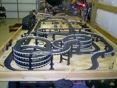 Lego Track, Slot Car Race Track, Slot Car Racing, Slot Car Tracks, Carrera Slot Cars, Afx Slot Cars, Car Table, Vintage Race Car, Vintage Toys