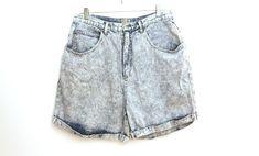 Vintage 80s jean shorts mens acid wash jeans by 216vintageModern on Etsy Pink Panthers, 80s Party Outfits, 80s Jeans, Acid Wash Jeans, Front Bottoms, Jean Shorts, Men, Etsy
