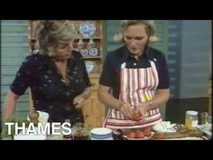 Veteran cook Mary Berry demonstrates to Judith Chalmers and the audience at home how to make Beef Casserole. Mary Berry Cooks, Cooking Meme, Delia Smith, Cooking Pork Tenderloin, Bbc Recipes, Cooking Recipes, Paul Hollywood, Nigella Lawson, Beef Casserole