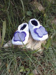 sapatinho de bolinha lilás