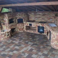 An outdoor kitchen can be an addition to your home and backyard that can completely change your style of living and entertaining. Earlier, barbecues temporarily set up, formed the extent of culinary attempts, but now cooking outdoors has become an.