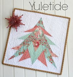 Yuletide mini quilt pattern at Threadbare Creations