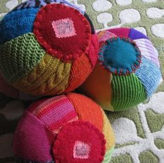 Set of Three Sweater Balls – Kkrriissttiinn Ppuulleeoo – Homemade baby foods Fabric Crafts, Sewing Crafts, Sewing Projects, Craft Projects, Diy Crafts, Fabric Toys, Craft Ideas, Homemade Baby Toys, Alter Pullover