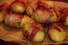 Baconlindad potatis – hett grilltillbehör! Dove Recipes, Weekday Meals, Snack Recipes, Snacks, Swedish Recipes, Summer Recipes, Food Inspiration, Bacon, Side Dishes