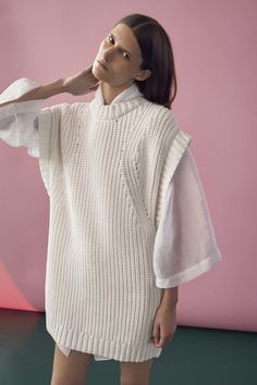 Rodebjer Spring 2017 Ready-to-Wear Collection Photos - Vogue Knitwear Fashion, Knit Fashion, Fashion 2017, Fashion Show, Fashion Design, Fashion Trends, Fashion Details, Streetwear, Vogue