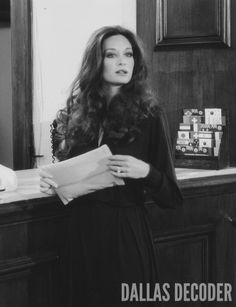 Kristin (Mary Crosby) checks into a posh hotel in this 1981 publicity shot from… Mary Crosby, Southfork Ranch, Dallas Tv Show, Great Novels, Kino Film, Sexy Older Women, Historical Clothing, Vintage Beauty, Tv Shows