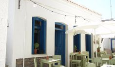 Discover the Restaurant Chartino Karavi, one of the best Restaurants in Kythnos, Driopida, that you must try during your holiday in Greece. Bougainvillea Tree, Outdoor Seating, Outdoor Decor, Greece Holiday, Store Fronts, Travel Agency, This Is Us, Restaurant, Island