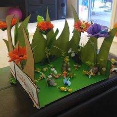 DIY Maya the Bee meadow play set for toddler- made from cardboard and flowers Crafts For Kids, Arts And Crafts, Maya, Flowers, Bees, Crafts For Children, Kids Arts And Crafts, Art And Craft, Royal Icing Flowers