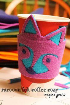 Funda de #cafe con un mapache de lo más gracioso :)