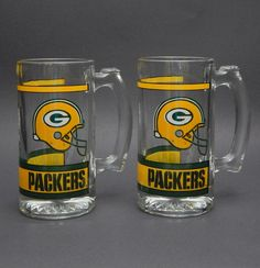 GREEN BAY PACKERS FOOTBALL GLASS MUG BEER STEIN PAIR NFL GREEN AND GOLD DRINK