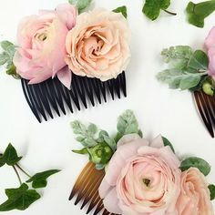 Hair combs for a bride and her maids ✨Designed by @tessadawn