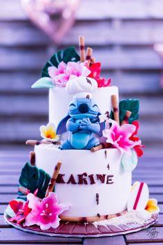 cake decorating 760615824541073492 - Gâteau Stitch – Cake Design Bordeaux Source by mademehappy Disney Desserts, Disney Cakes, Disney Birthday, 2nd Birthday Parties, Cake Birthday, Themed Parties, Dessert Party, Cake Design Tutorial, Beautiful Cakes
