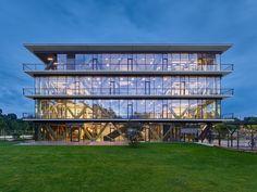 Gallery of Innovation Center 2.0 / SCOPE Architekten - 14