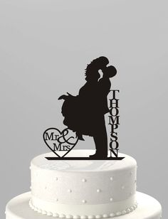Wedding Cake Topper Silhouette Couple Mr & Mrs Personalized with Last Name, Acrylic Cake Topper [CT18f] door TrueloveAffair op Etsy https://www.etsy.com/nl/listing/183419738/wedding-cake-topper-silhouette-couple-mr