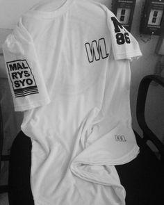 T-Shirt Long Oversized MALRYSSYO86! T-Shirt Long Oversized white frente.  #estilo #moda #modamasculina  #diferente #atitude #rua #sampa #arte #malryssyo86 #repost #like4like #streetwear #swag #tshirt #modelo #nigga  #blackpyramid #tshirtoversize #oversized