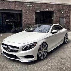 Mercedes Benz (Cool Cars)