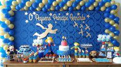 """Kit no tema """"O Pequeno Príncipe"""" para decoração de painel de festas, aniversários, quartos infantis, confeccionado em MDF de 6mm e pintado na cor desejada.  Compõe o kit: a silhueta do pequeno príncipe, a frase """"O pequeno príncipe acompanhado do nome da criança"""", pássaros e estrelas."""