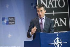 """Crisi Ucraina. Nato: i russi sono pronti a blitz in 3-5 giorni. Rasmussen: """"Errore storico"""""""