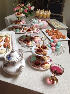 Baby shower high tea Baby Shower Tea, Baby Shower Table, Baby Shower Cakes, Baby Shower Parties, Baby Shower Themes, Baby Shower Decorations, Bridal Shower, Baby Showers, Shower Ideas