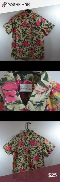 """Bobbie Brooks Floral Button Down Size Small Bobbie Brooks Floral Button Down Size Small 55C/45P. Shirt measured in inches laid flat Chest:20"""",Length:26"""",Sleeve:9"""" Bobbie Brooks Tops Button Down Shirts"""