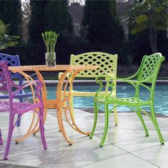 Cross Weave Patio Bistro Set: Bright patio furniture that is perfect for summer!