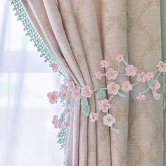 Best 10 White flower appliqué with Classic pearls makes this pullback a work of Art for any drapes or curtains. Shabby Chic Curtains, Home Curtains, Curtains Living, Curtain Tie Backs Diy, Curtain Ties, Baby Room Decor, Living Room Decor, Bedroom Decor, Window Curtain Designs