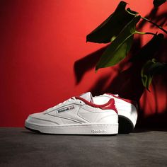 Reebok x Eric Emanuel Club C 85 White / Red Credit : Asphaltgold — #reebok #clubc #sneakerhead #sneakersaddict #sneakers #kicks #footwear #shoes #fashion #style Latest Sneakers, Men's Sneakers, Footwear Shoes, Reebok, Kicks, Club, Red, Style, Fashion