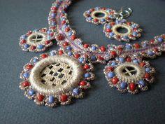 Вязание крючком золота: ожерелье