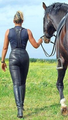 Leather riding overalls and riding boots - - Damenschuhe Equestrian Girls, Equestrian Outfits, Equestrian Style, Riding Breeches, Riding Pants, Horse Riding Boots, High Leather Boots, Leather Jeans, Black Leather