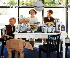 Star Wars party from @potterybarnkids  Such cute ideas! #starwars #party