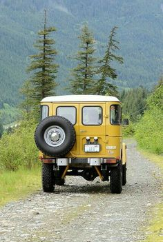 Land Cruiser Of The Day! – Enter the world of Toyota Land Cruisers Toyota Fj40, Toyota Trucks, Toyota Lc, Chevy Trucks, Vw Vintage, Vintage Trucks, Fj Cruiser, Toyota Land Cruiser, Classic Trucks