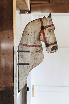 WOOD HORSE HEAD