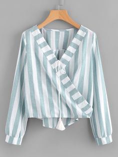 Camicetta a strisce a contrasto Mom Outfits, Fashion Outfits, Fashion Women, High Fashion, Moderne Outfits, Fall Shirts, Tie Blouse, Blouse Online, Western Outfits