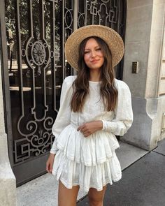 31 Pretty Summer Outfits you Must to Try in holiday - Femalinea Summer Outfits, Cute Outfits, Summer Dresses, Spring Summer Fashion, Autumn Fashion, Look Fashion, Fashion Outfits, Fashion Trends, Street Style