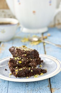 Wonderfully yummy sounding Pistachio Brownies. #cooking #food #beautiful #baking #dessert #chocolate #pistachios #nuts #brownies