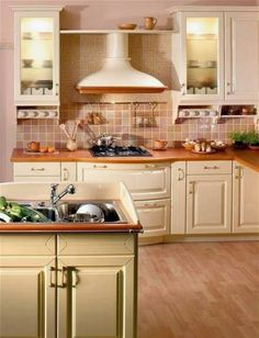 the color of kitchen - with different handles Kitchen Island, Kitchen Cabinets, Rustic Kitchen, Design, Home Decor, Kitchens, Color, House Decorations, Island Kitchen