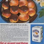 Wienerboller med fyld Retro Recipes, Vintage Recipes, Home Bakery, Danish Food, Cake Bites, Bread Bun, Bread And Pastries, Dinner Is Served, I Love Food