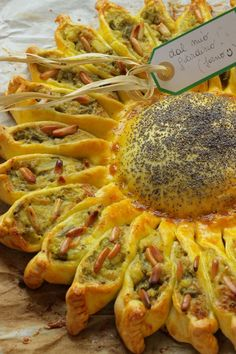 girasole salato --- looks soo good, but, alas, I don't know Italian so. Antipasto, Cooking Recipes, Healthy Recipes, Creative Food, Food Design, I Foods, Italian Recipes, Food Inspiration, Love Food