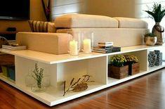 Aparador de sofá em L. Salas Pequena. Compartilhado pelo Instagram @meunovoape